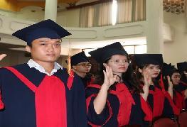 90 tân cử nhân ngành Y Dược  tốt nghiệp sẽ trở thành những thầy thuốc giỏi của tương lai